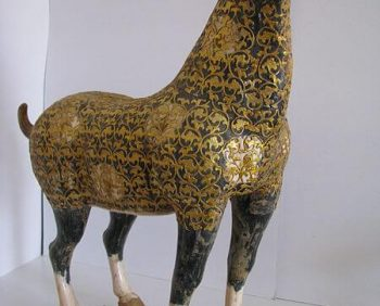 Dinastía Tang 'leopardo' caballo con cuerpo revestido en filigrana dorada